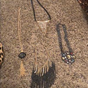 Bundle of 4 necklaces